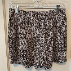 AE Chevron Print Fabric Stretchy Shorts Sz L